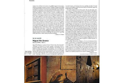 Notícias —Review da exposição Através do olhar dourado de Miguel Rio Branco na Artforum